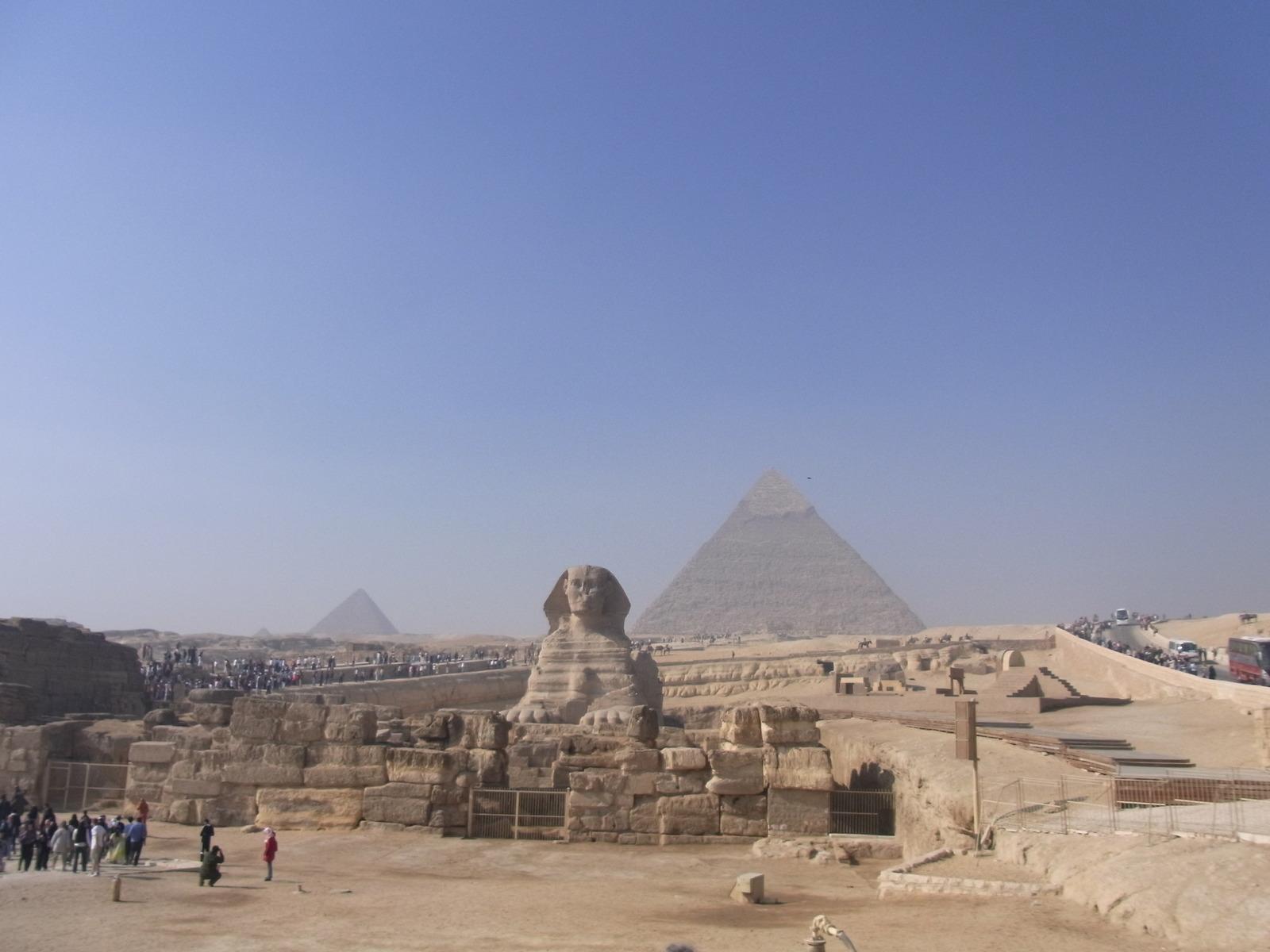 と良くあるエジプトの写真、